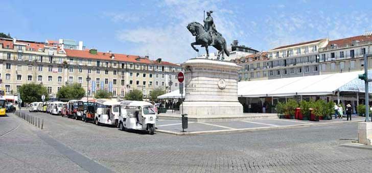 Estatua de la plaza