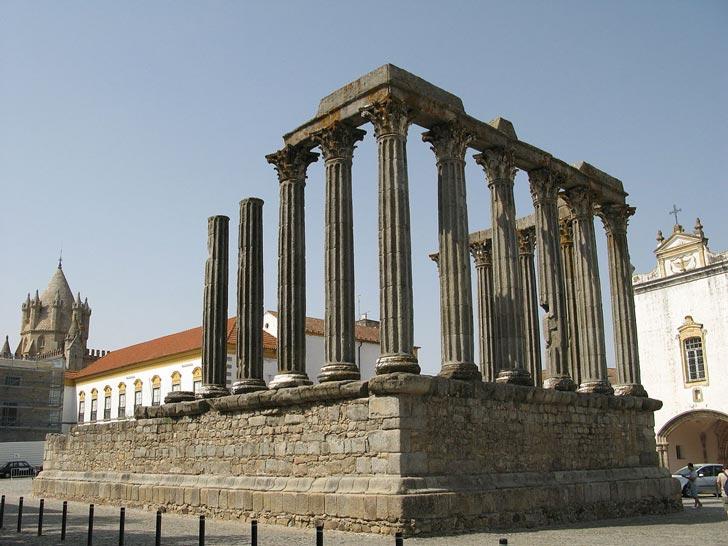 templo-romano-evora